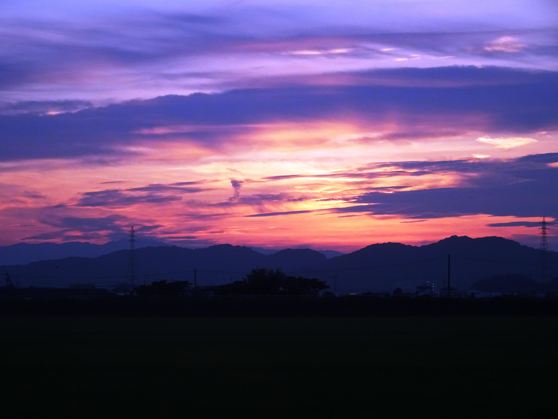 夏の田舎の夕景