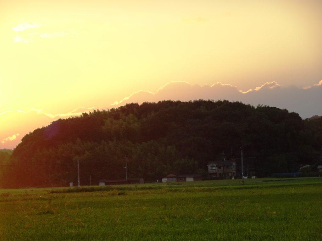 初秋、田舎の夕景