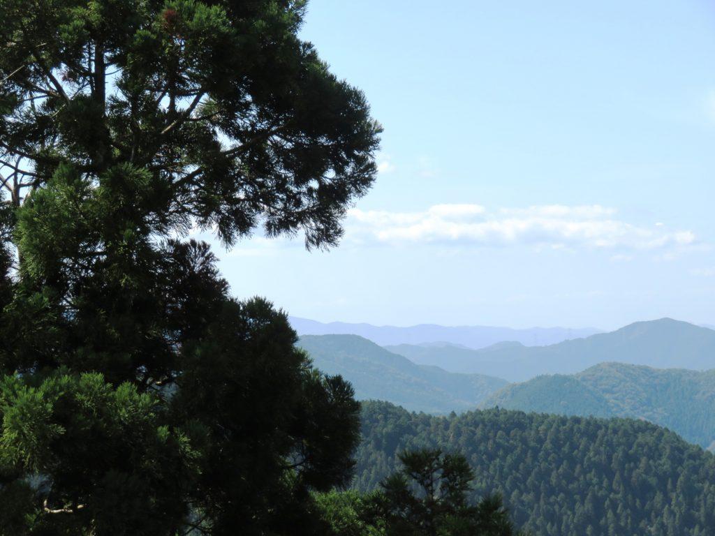 高野山上から見える山並